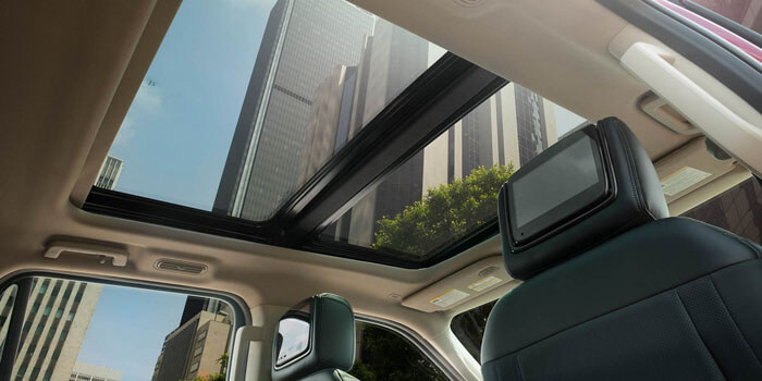 New 2018 Ford Expedition PANORAMIC VISTA ROOF®