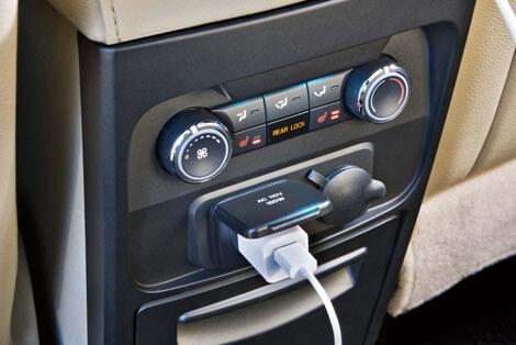 2018 Ford Flex 12-VOLT 4 POWER POINTS