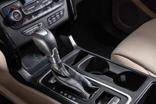 2018 Ford Escape SIX-SPEED AUTOMATIC TRANSMISSION WITH SELECTSHIFT®