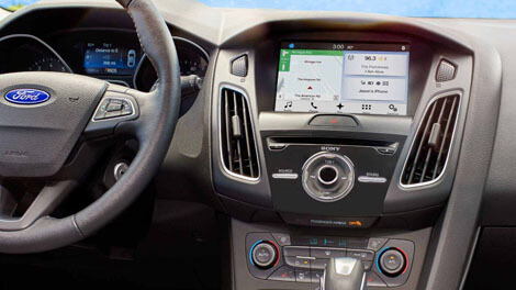 2018 Ford Focus AVAILABLE SYNC® 3 WITH APPLE CARPLAY™ AND ANDROID AUTO™ COMPATIBILITY