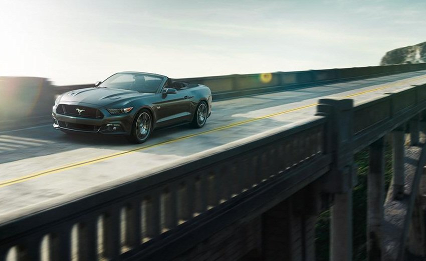 2015-Ford-Mustang-Convertible-Image